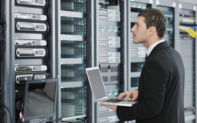 Специалист по информационной безопасности: обязанности, важные